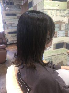 顔周りの後れ毛で可愛いスタイルを☆